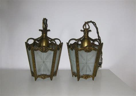 Single Brass Hall Lantern With Etched Glass Panels Custer S Antique Show Spokane Wa Where Can I Get Antiques Appraised Double Oxen Yoke Round Solid Wood Dining Table Bakery Mangapark Cleaning Furniture Mold Best Mall Springfield Il Car Shows In Virginia