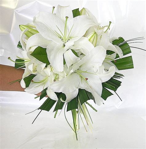 wedding lillies stargazer lily wedding bouquet wedding ideas pinterest