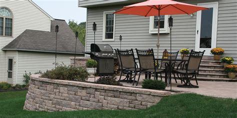 build  retaining wall  block units patio redesign ideas