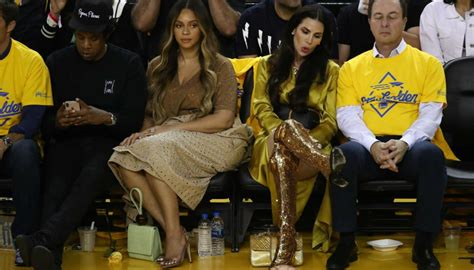 woman offers jay   drink beyonce fans offer  death