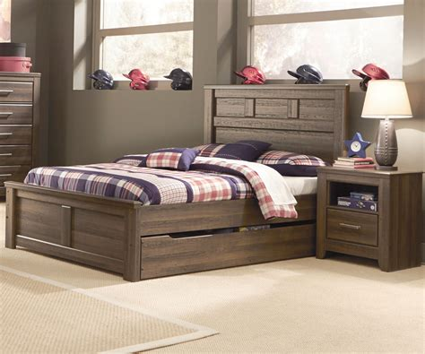 Dark Brown Wooden Full Size Bed With Trundle Frame And