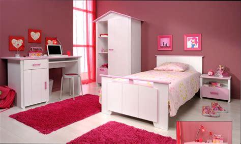pouf de chambre chambre fille modele de couleur pour chambre fille