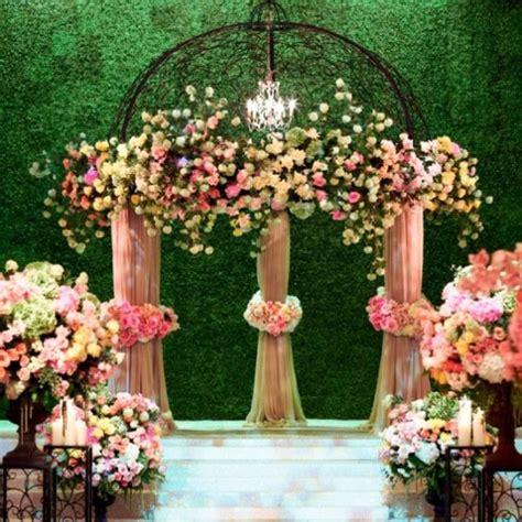 grass wall  eye catching ideas   wedding