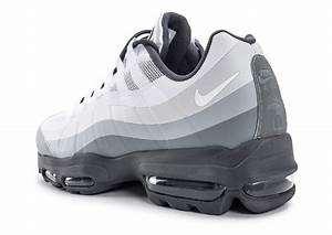 Nike Air Max 95 Ultra Essential blanche et grise Chaussures Homme Chausport