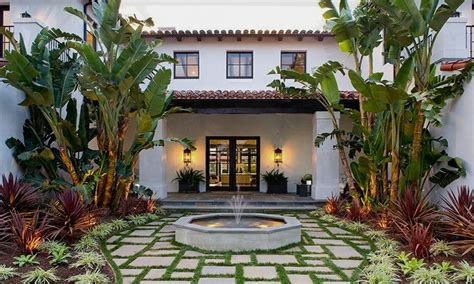 patios designs  small yards mexican style homes  courtyards spanish style courtyard