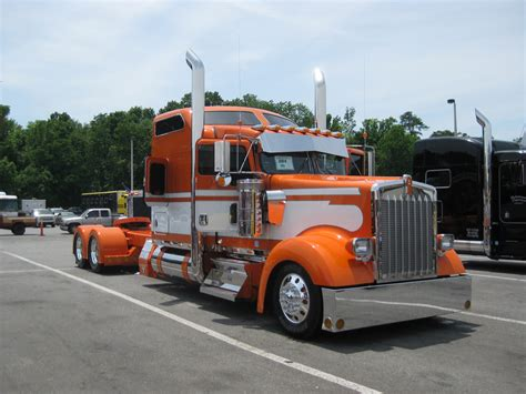 kenworth shop 75 chrome shop 12th annual truck show 2010