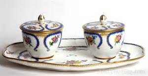 mini pots de confiture antiques atlas a sevres plateau a deux pots de confiture 1776