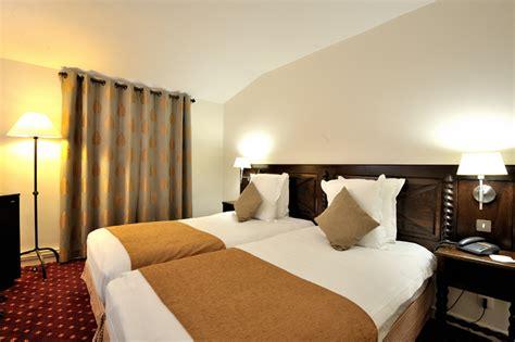 file chambre privilege hotel donjon carcassonne jpg