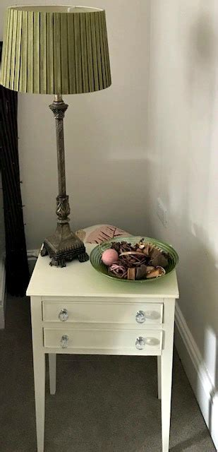 shabby chic bedside table how to shabby chic bedside table with affordable chalk paint 984