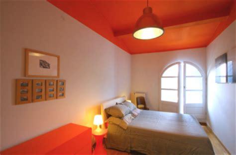 peinture plafond chambre associer la peinture orange dans salon cuisine et chambre