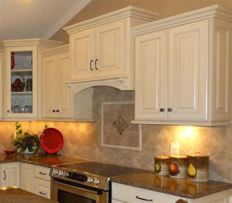 Trendiest and Creative Kitchen Backsplash Ideas Floral