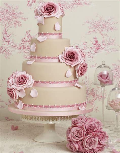 wedding cake vs pi 232 ce mont 233 e duel au sommet mariage commariage