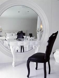 Miroir Pour Coiffeuse : jolie coiffeuse avec miroir 40 id es pour choisir la meilleure chambre pinterest miroir ~ Teatrodelosmanantiales.com Idées de Décoration