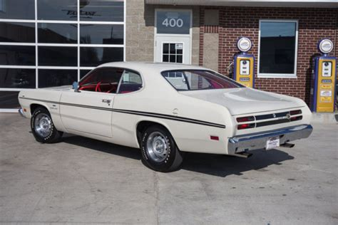 1970 Plymouth Duster 340 4 Speed Disc Brakes White With