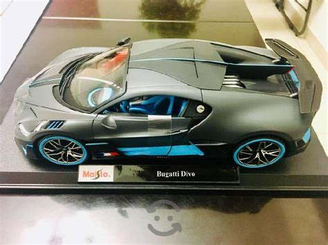 Bugatti divo gris mate con azul accents escala 1:18 $ 52.79. Bugatti divo escala 【 ANUNCIOS Octubre 】   Clasf