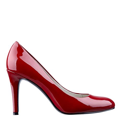 betsey johnson shoes nine caress toe in scarlet patent