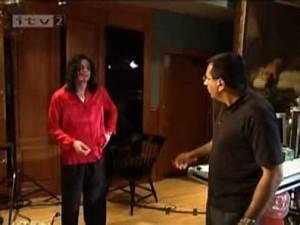 Michael Jackson Teaching Moon Walk - YouTube