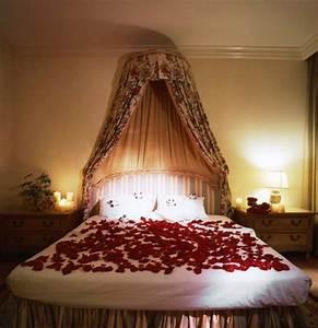Romantisches Himmelbett Mit Lichterkette : romantisches schlafzimmer dekoideen zum valentinstag ~ A.2002-acura-tl-radio.info Haus und Dekorationen