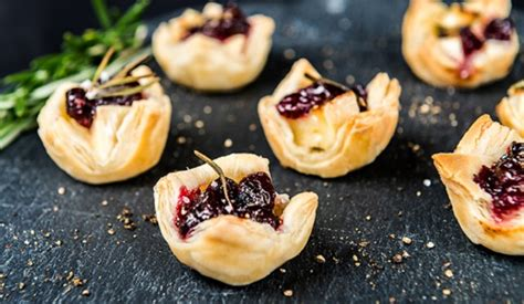 cheap easy canapes brie and cranberry bites from the plate