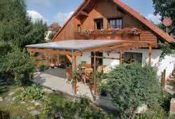 balkonã berdachungen aus glas awesome alu und holz terrassenuberdachungen geschutzt photos globexusa us globexusa us