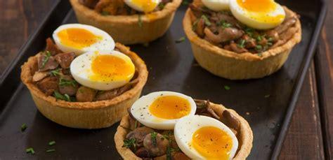 RECETA: Kërpudha me vezë dhe djathë kaçkavall - Anila Kalleshi
