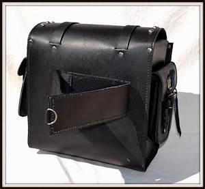 Sac Sissy Bar : sac pochette en cuir avec clous pour sissi bar de moto custom ~ Teatrodelosmanantiales.com Idées de Décoration