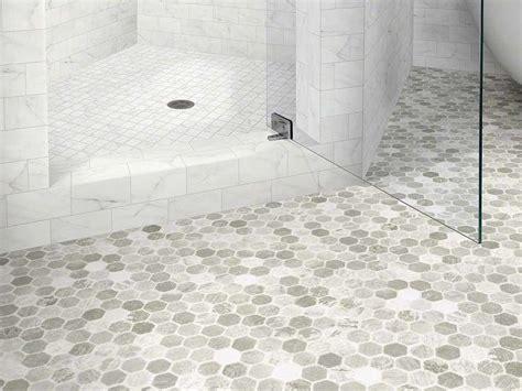 vinyl plank flooring for bathroom 17 migliori idee su vinyl flooring bathroom su pinterest pavimenti del bagno idee per il