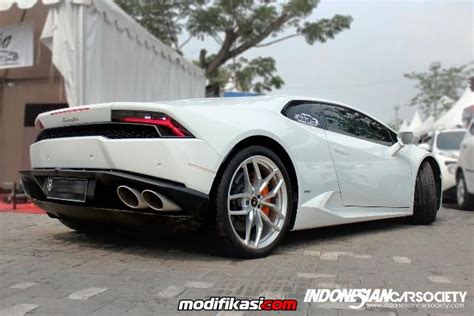 Modifikasi Lamborghini Huracan by White Lamborghini Huracan Ics