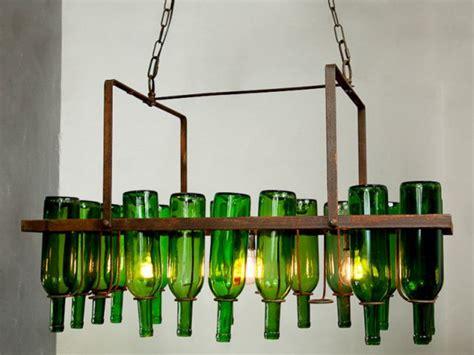 amenagement coin cuisine un lustre au style industriel fait à partir de bouteilles