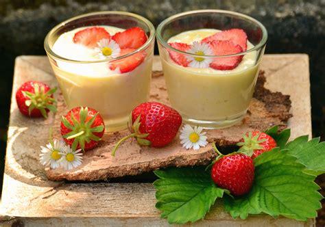 kostenlose bild erdbeere pudding obst suess blatt glas
