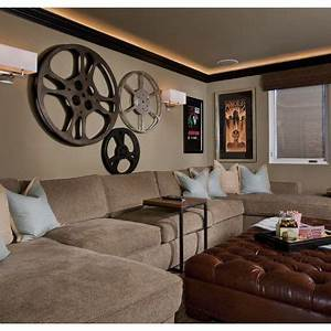 Media room vintage movie posters design ideas pictures for Kitchen cabinets lowes with theater room wall art