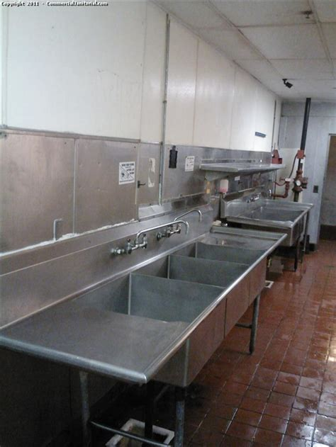 commercial kitchen cleaning  image