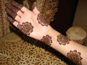 Mehndi Designs: Simple Arabic Mehndi Designs