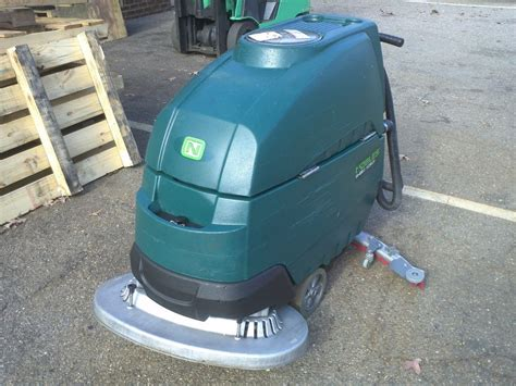 nobles floor scrubber batteries reconditioned nobles speed scrub ss5 32 quot disk floor