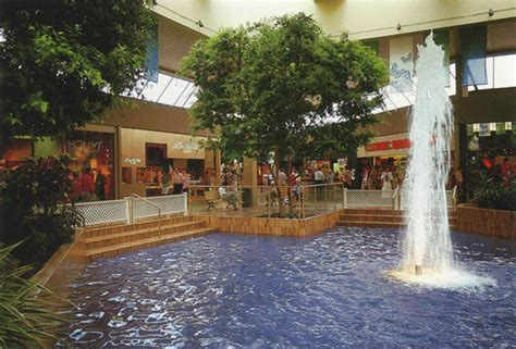 What Malls Used To Look Like In Toronto
