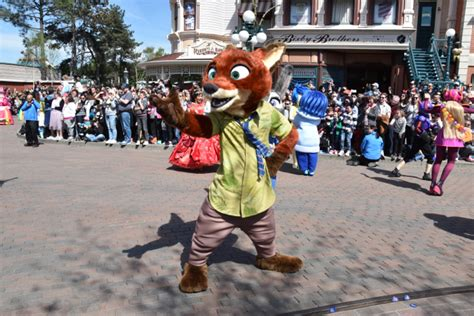 Mousesteps  Disneyland Paris Pulls Out The Stops For 25th