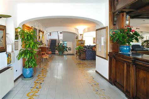 Hotel Terme Don Pepe Ischia. Hotel Charles. Elaf Kinda Hotel. Metropolitan Hotel. Boambee Palms Boutique B&B. Lanterns Court Serviced Apartments. Royal Orchid Hotel. Tomarp Gardshotell. Ulises Hotel