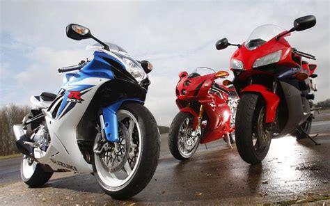 Suzuki Vs Honda by Poll 2011 Suzuki Gsx R600 Vs 2004 Ducati 999s Vs 2005