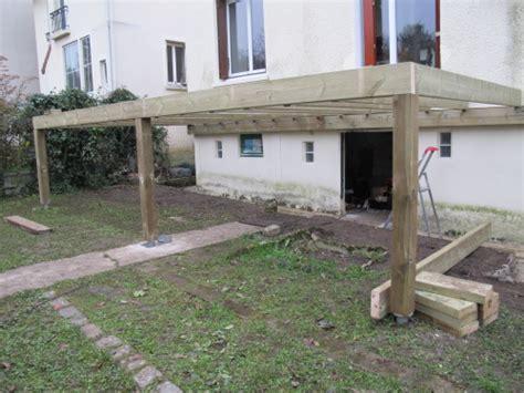 realiser une terrasse en bois sur pilotis construction terrasse en bois sur pilotis