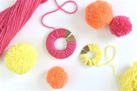 How To Make Fall Decorations At Home: How To Make Custom Yarn Pom-Poms