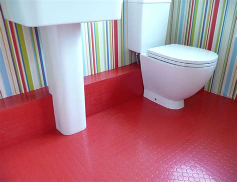 Rubber Floor Tiles For Bathrooms by 10 Rooms With Rubber Flooring