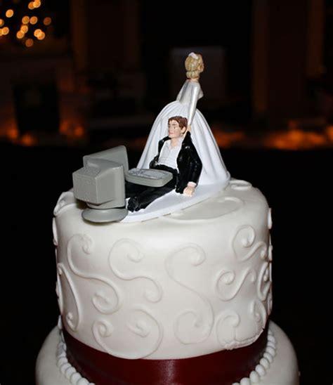 computer geek wedding cake