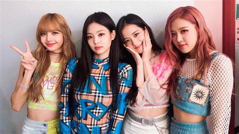 — this one is simple and cute, with no calendar. Blackpink's Best Looks On Instagram