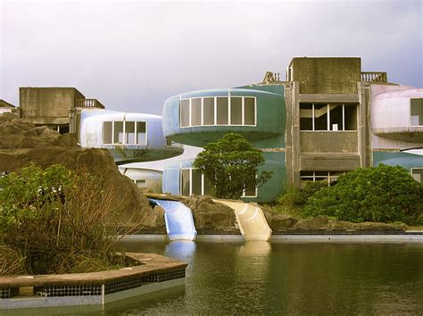 Ufo Häuser Taiwan by Amazing Ufo Ghost Town Resort In Taiwan Sick Chirpse