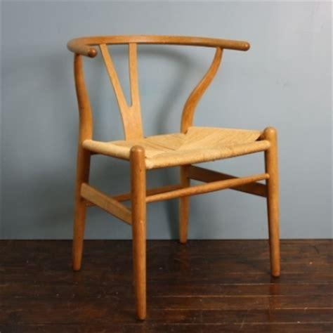 vintage hans wegner wishbone y chair in oak 1 of 2