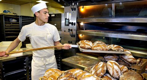 si鑒e boulanger faire de la boulangerie métier pas si compliqué perdu