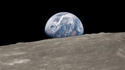 works  shaped  world  earth   moon