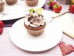 Cupcakes Mit Füllung : haselnu schokolade cupcakes mit erdbeer f llung vegane rezepte schnell und einfach vegan ~ Eleganceandgraceweddings.com Haus und Dekorationen