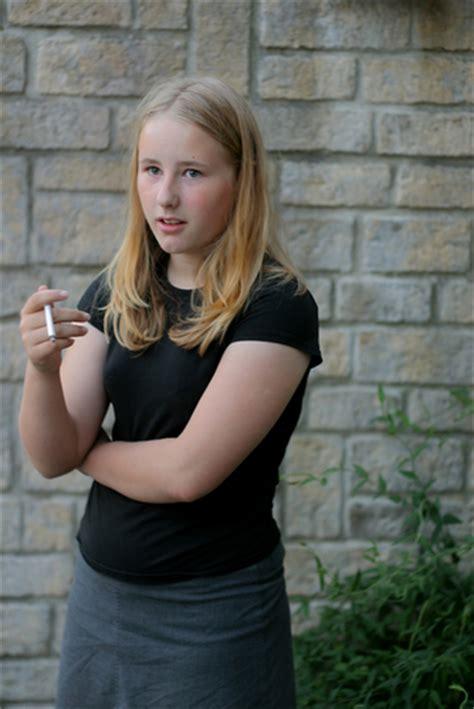 tobacco ads persuade teens  smoke