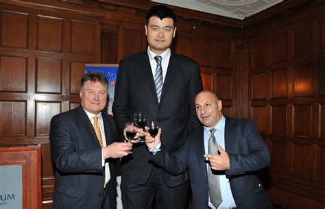 13 Photos Of Yao Ming Making Normal People Look Tiny